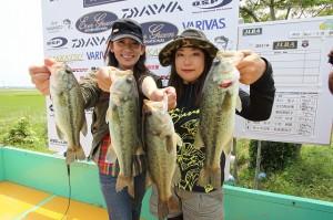 準優勝:森田友子(右)小池麻鼓(左)